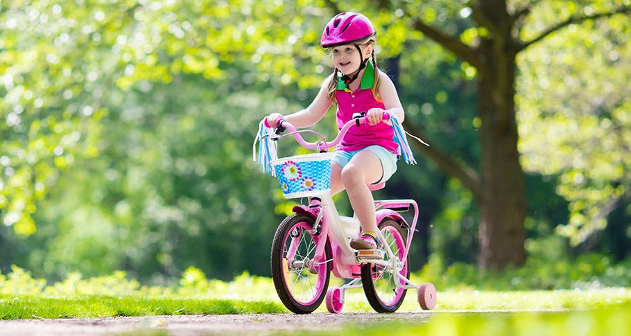 Lär ditt barn att cykla säkert